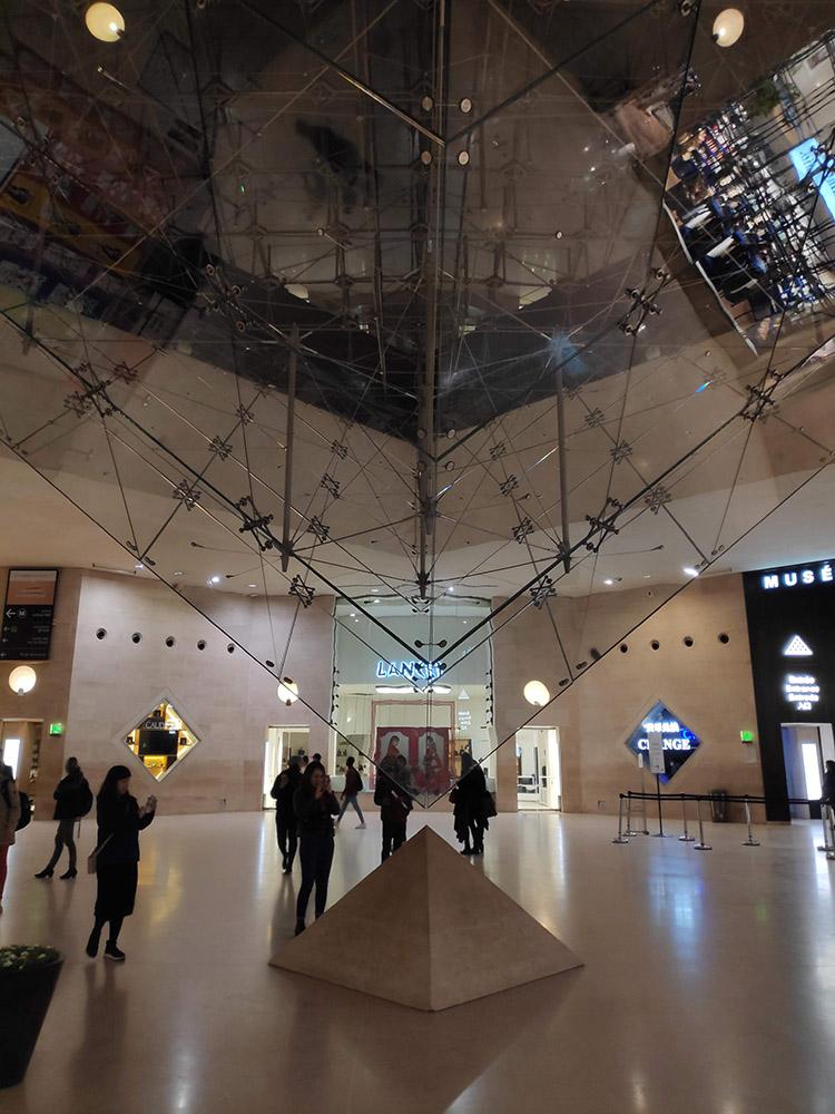 Wystawa Louvre